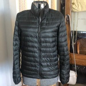 Uniqlo Black Ultra Lightweight Down Jacket M